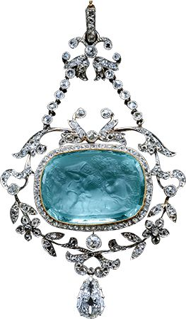 A Belle Epoque pin of an aquamarine cameo